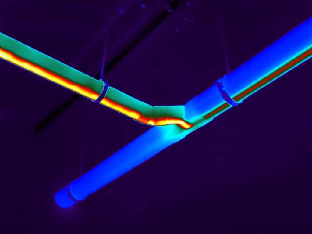Lekkages worden zichtbaar tijdens een eliding inspectie met thermografie