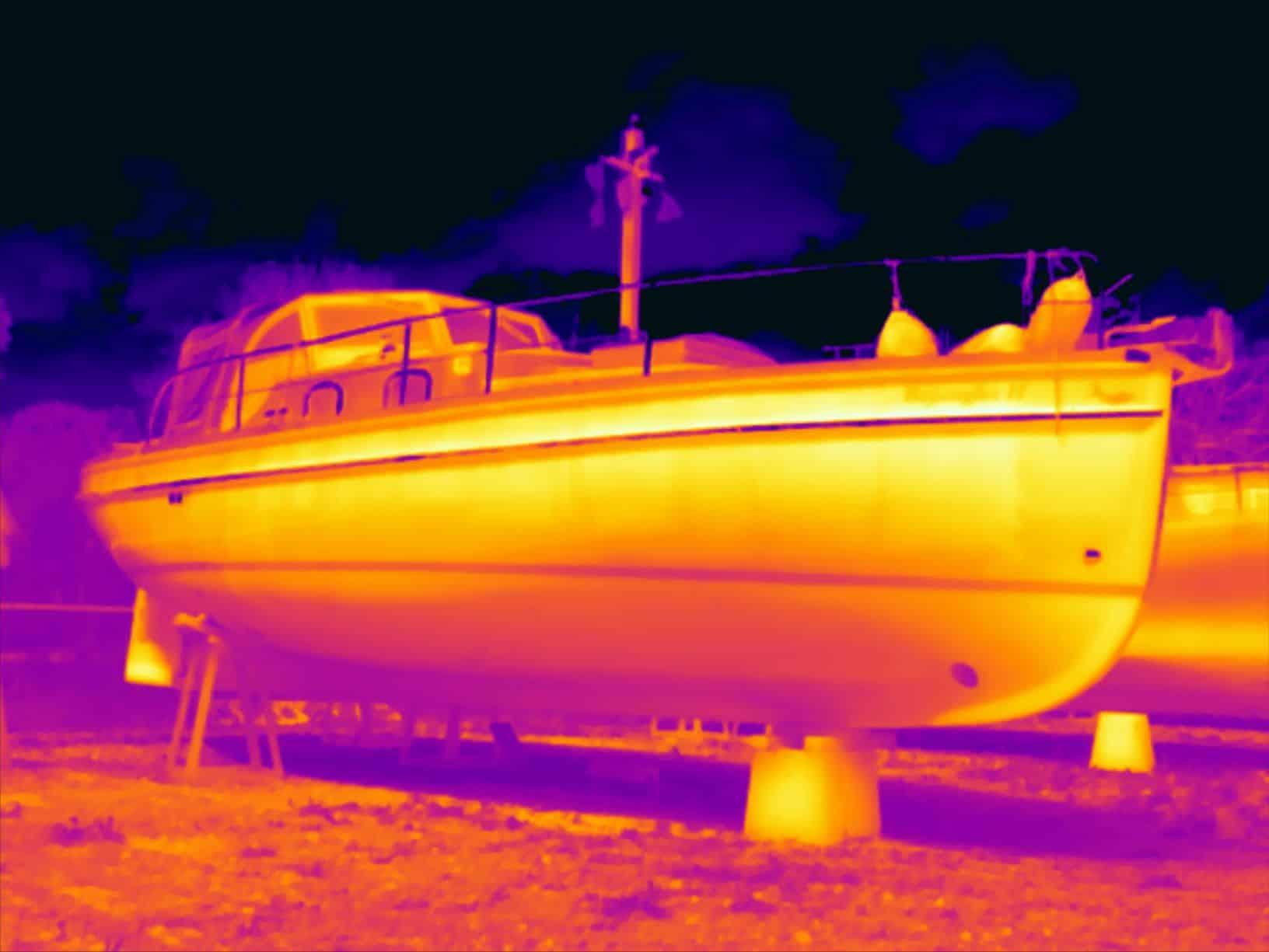 Thermografie bij boten is één van de toepassingen van thermografie.