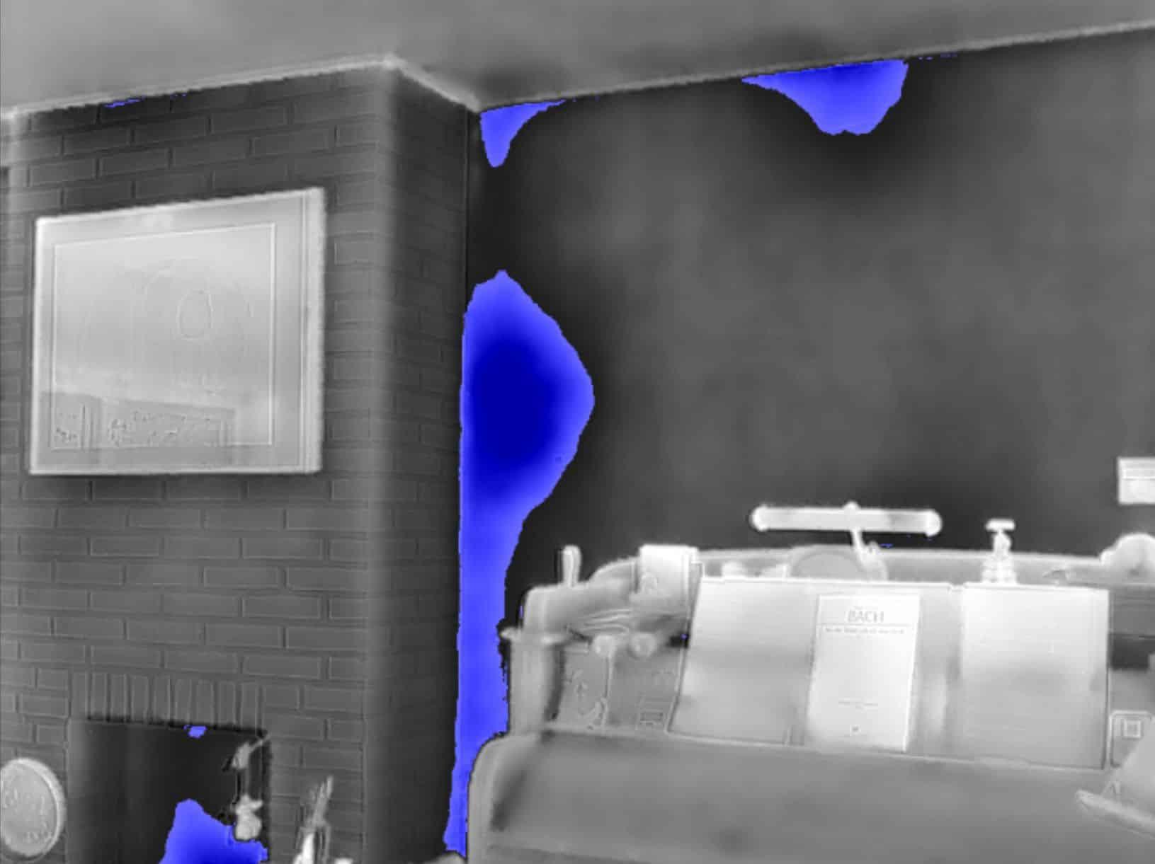 Thermografie bij ontbrekende spouwmuur isolatie.