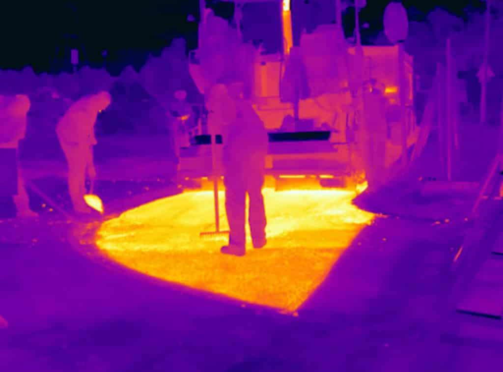 Ook kwaliteitscontrole bij afsfalteren is een toepassing van thermografie