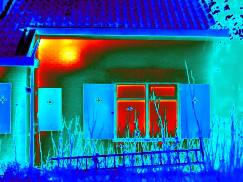 Woning thermografie toont koudebruggen