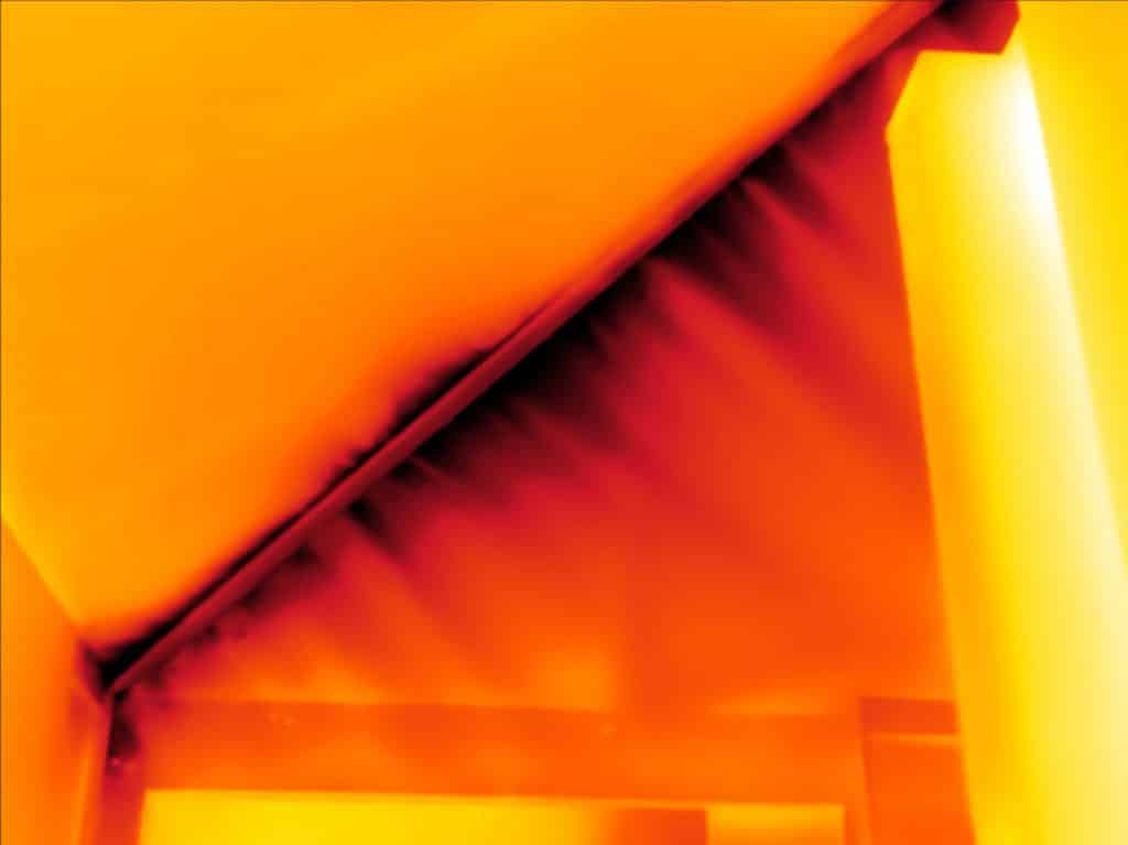 Onderzoek naar tochtklachten in Biddinghuizen met blowerdoor en thermografie