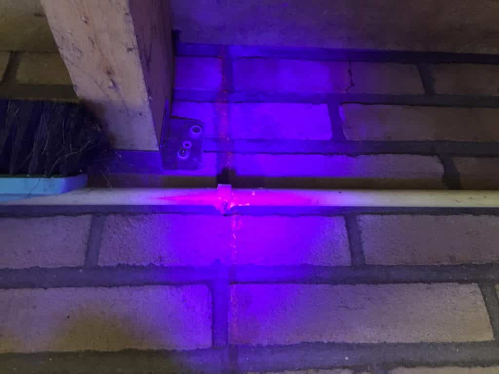 UV-lekdetectiebij daklekkage en gevel lekkage
